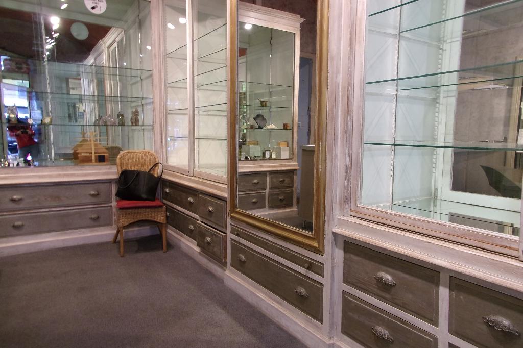 Cession de bail Ajaccio 41 m2 avec vitrine Cours Napoléon avec réserve