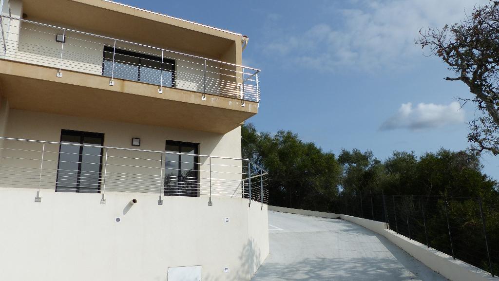 Bastelicaccia  Maison 72 m2 avec 2 terrasses vue mer