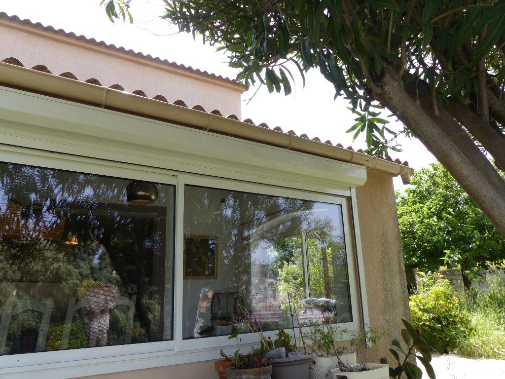Ajaccio entrée de ville charmante  Villa rénovée  5 pièce(s) 170 m2 vue dégagée