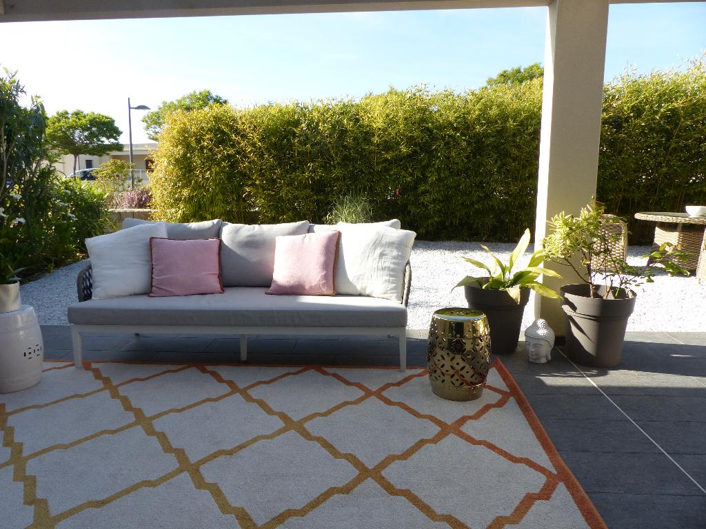 Appartement centre de  Porticcio 4 /5 pièce(s) 122 m2 avec jardinet et garage