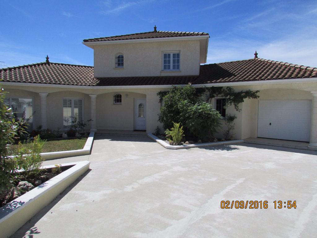 Maison Aurillac 6 pièce(s) 170 m2