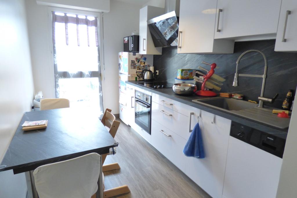 Appartement Aurillac 3 pièce(s) 65 m2. Chauff. ind. GARAGE