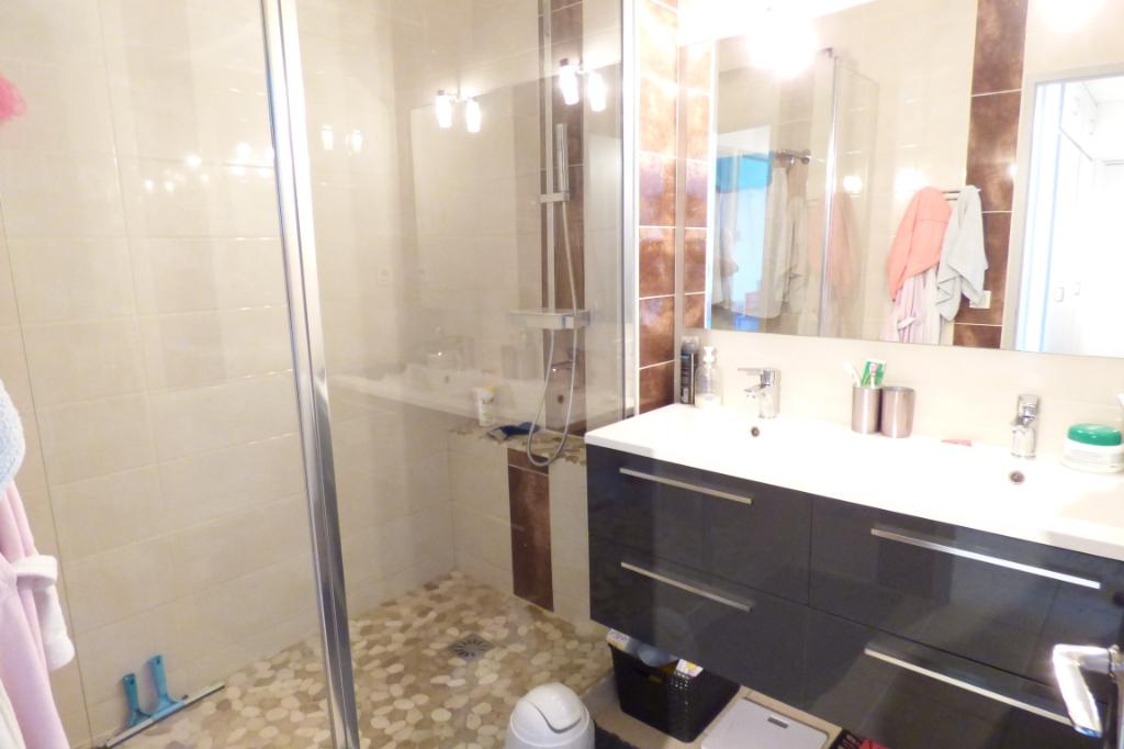 Appartement Aurillac 4 pièce(s) 2 BALCONS GARAGE