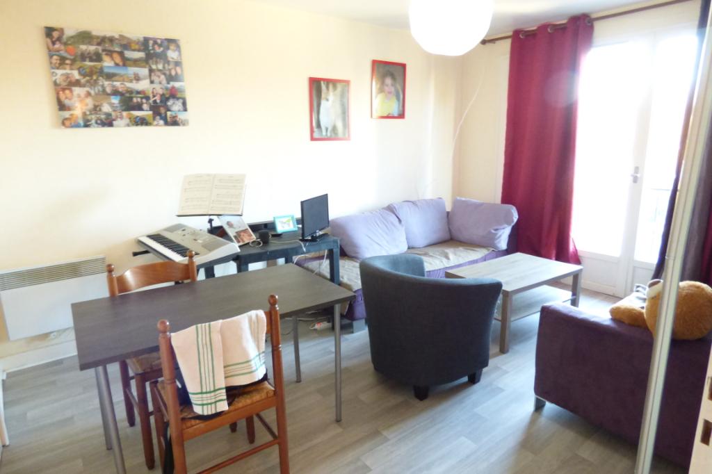 Appartement Aurillac 2 pièce(s) 43 m2 ascenseur, balcon, parking
