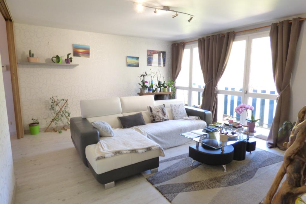 Appartement Aurillac 4 pièce(s) 101 m2 BALCON ET GARAGE