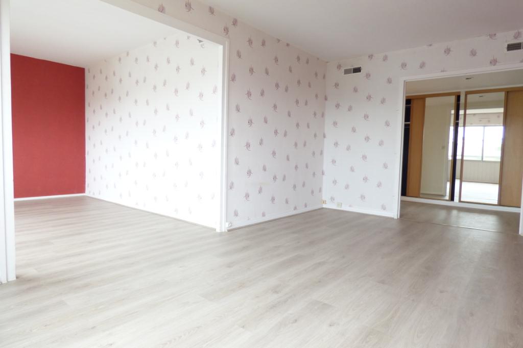 Appartement Aurillac 3 pièce(s) 79 m2 ascenseur balcon