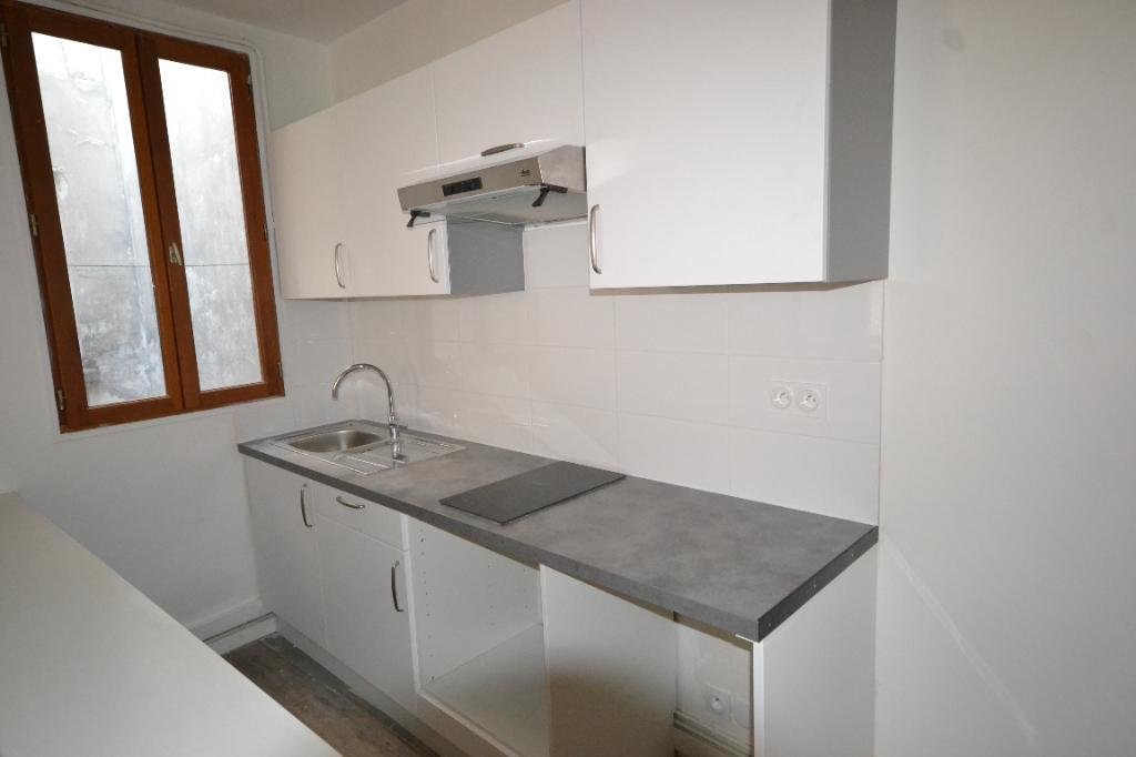 Quartier Rochechouart rue du Delta Appartement Paris 2 pièce(s) 45 m2