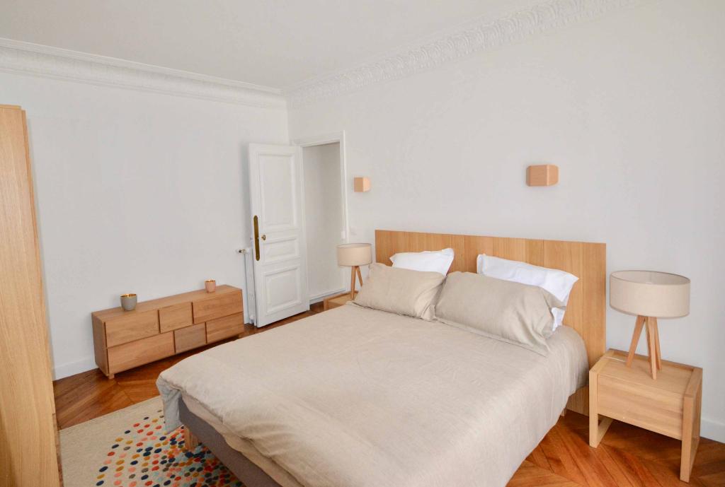 Appartement 75116 3 pièce(s) 96m2