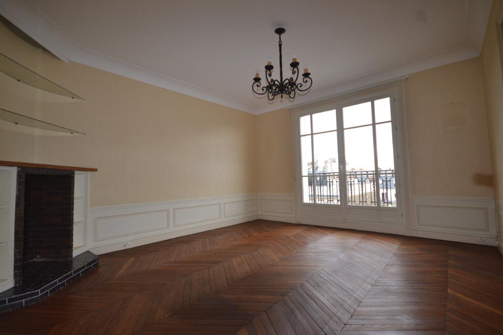 Appartement Paris 4 pièce(s) 81,03 m2 + balcon 9m