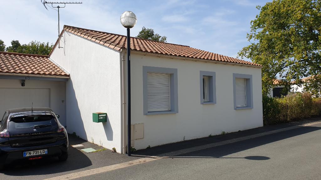 Maison Saint-hilaire-de-loulay - 5 Pièce(s) - 70 M2