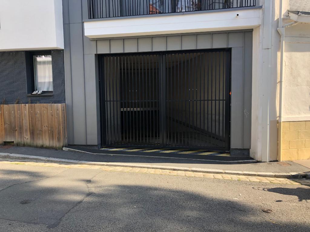place de parking NANTES-SAINT-FELIX
