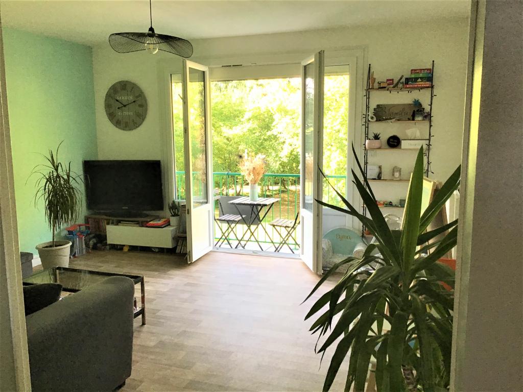 NANTES - BLANCHE DE CASTILLE - Appartement type 4