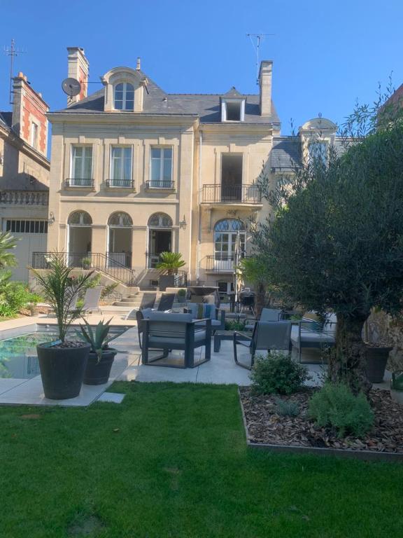 Hotel particulier Nantes Monselet 10 pièce(s) 320 m2 avec piscine