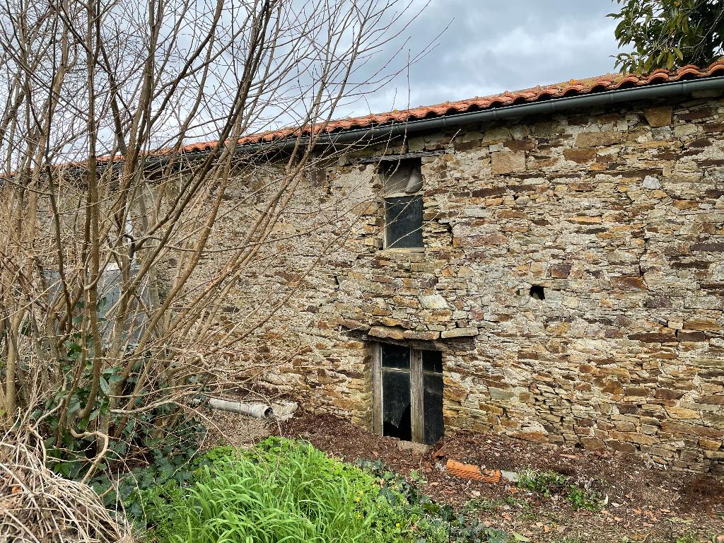 Grange en pierres à Bouguenais