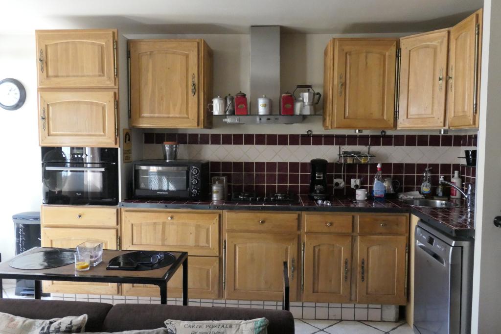 Appartement Rougiers 2 pièce(s) 67 m2
